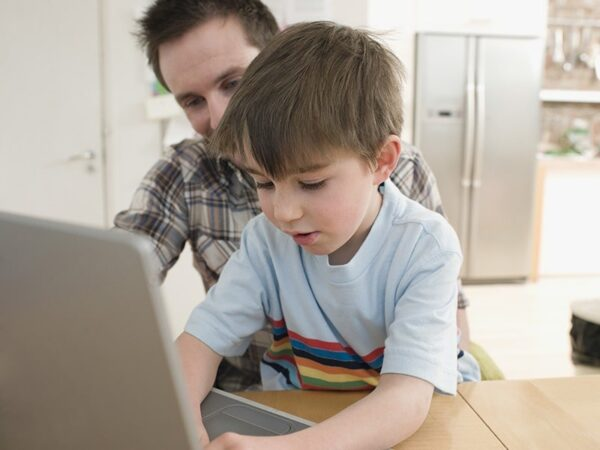 3 Tips For Your Child To Surf Safely On The Internet